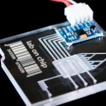 آزمایشگاه روی تراشه-تراشه ها مواد و روش های ساخت